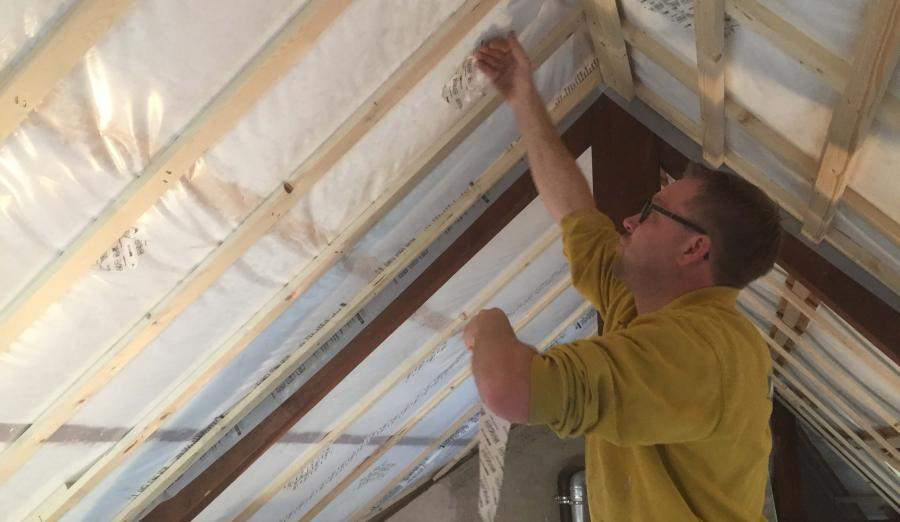 Na isoleren hellend dak Supafil Timber Frame Knauf Insulation